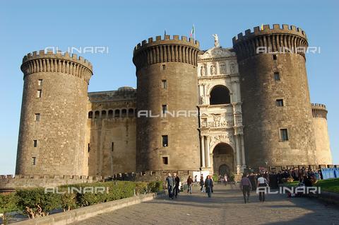 ULL-F-929461-0000 - Castel Nuovo or Maschio Angioino, Naples - Data dello scatto: 09/08/2007 - Gerig / Ullstein Bild / Alinari Archives