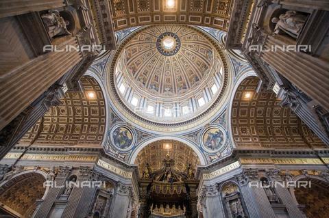 ULL-F-983909-0000 - Interior of the dome of St. Peter's Basilica, Vatican City - Data dello scatto: 24/07/2007 - CARO / Felipe Rodriguez / Ullstein Bild / Alinari Archives