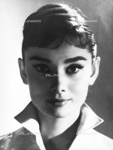 ULL-S-000107-4302 - The actress Audrey Hepburn (1929-1993) - Data dello scatto: 18/08/1956 - Daily Express / Ullstein Bild / Alinari Archives