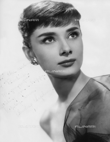 ULL-S-000108-4531 - The actress Audrey Hepburn (1929-1993) - Data dello scatto: 1955 - Ullstein Bild / Alinari Archives