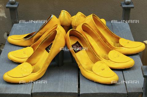 ULL-S-000121-2953 - Scarpe gialle, Montepulciano - Data dello scatto: 17/09/2010 - Mayall / Ullstein Bild / Archivi Alinari