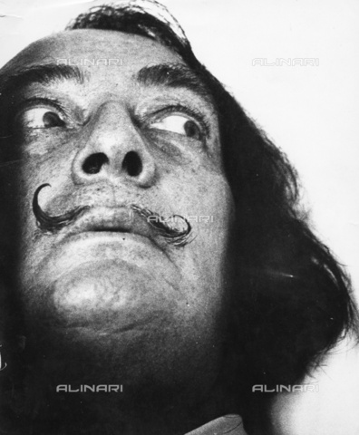 ULL-S-000165-3704 - Portrait of the painter Salvador Dali (1904-1989) - Data dello scatto: 1965 - Fondation Horst Tappe / Ullstein Bild / Alinari Archives