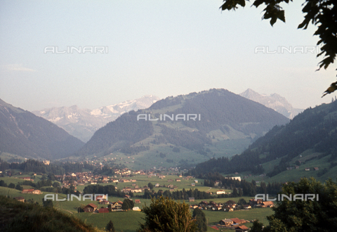 ULL-S-000520-1377 - View from Saanen to Gstaad - Data dello scatto: 01/08/1967 - Leber / Ullstein Bild / Alinari Archives