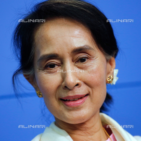 ULL-S-000658-3678 - Aung San Suu Kyi (1945-), winner of the Nobel Peace Prize - Reiner Zensen / Ullstein Bild / Alinari Archives