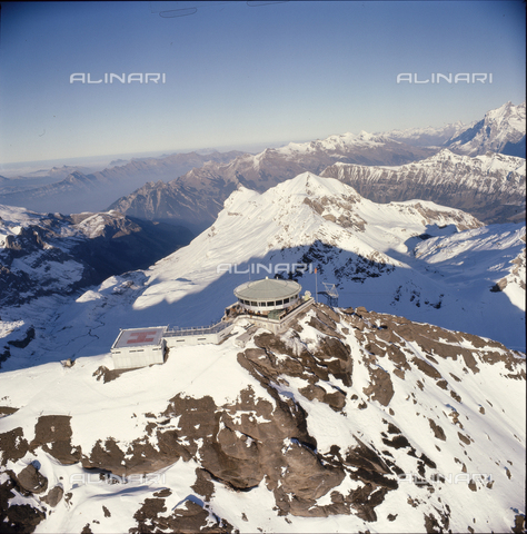 ULL-S-000727-2697 - The Piz Gloria restaurant on the Schilthorn - Data dello scatto: 01/10/1968 - RDB / Ullstein Bild / Alinari Archives