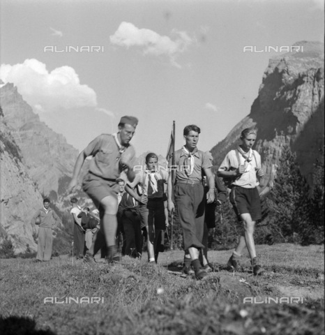ULL-S-000733-3514 - Summer camps in Kandersteg - Data dello scatto: 1943 ca. - RDB / Ullstein Bild / Alinari Archives