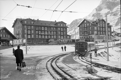ULL-S-000734-5925 - Jungfrau railway and hotels in Grindelwald in the Kleine Scheidegg - Data dello scatto: 05/01/1963 - RDB / Blick / Ullstein Bild / Alinari Archives