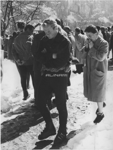 ULL-S-000752-3259 - The American mountaineer John Harlin at Hilti von Allmen's funeral - Data dello scatto: 04/07/1964 - RDB / Ullstein Bild / Alinari Archives