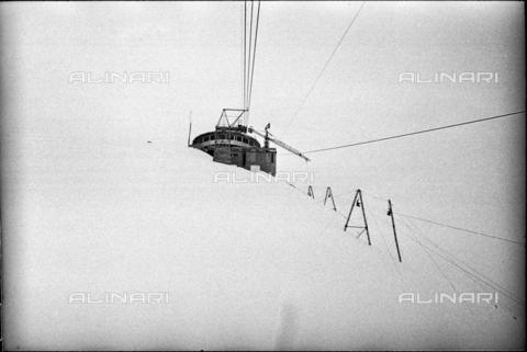 ULL-S-000752-6195 - Cableway, Schilthorn - Data dello scatto: 14/06/1967 - RDB / Ullstein Bild / Alinari Archives