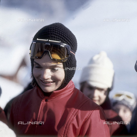 ULL-S-000757-9390 - Jacqueline Kennedy (1929-1994) in Gstaad - Data dello scatto: 1966 - Ullstein Bild / Alinari Archives