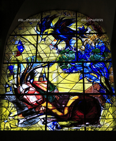 """ULL-S-100362-7127 - Bull and rooster, """"Naphtali is the name of my father"""", Glass, Chagall, Marc (1887-1985), Hadassah Ein Kerem Hospital Synagogue, Jerusalem - Data dello scatto: 2008 - Insadco / Ivan Vdovin / Ullstein Bild / Alinari Archives"""