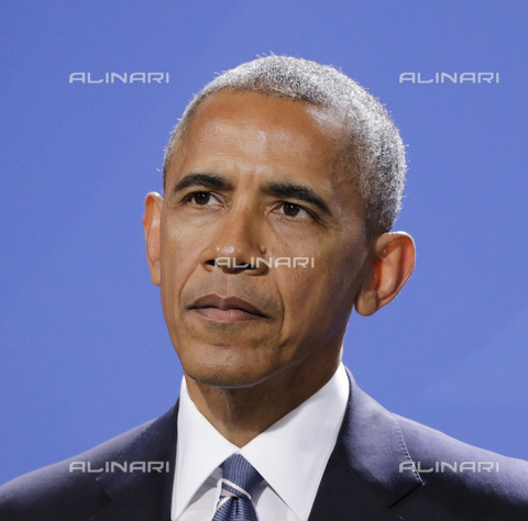ULL-S-101353-7745 - The forty-fourth President of the United States Barack Hussein Obama II (1961) portrayed within the Federal Chancellery in Berlin during an official visit to Germany - Data dello scatto: 17/11/2016 - Popow / Ullstein Bild / Alinari Archives