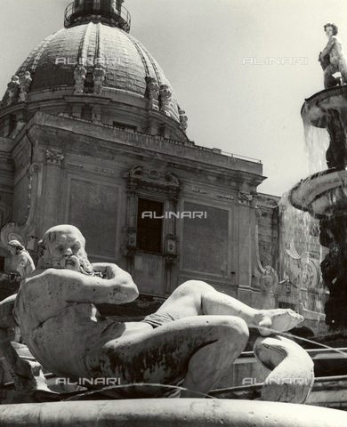 VAA-F-002049-0000 - River, statue of a fountain of Loreto - Date of photography: 1955-1960 - Fratelli Alinari Museum Collections-Villani Archive, Florence