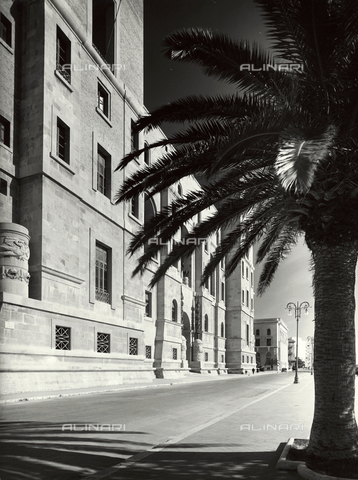 VAA-F-002157-0000 - A view of the Government Palace, Taranto - Date of photography: 1955-1960 - Fratelli Alinari Museum Collections-Villani Archive, Florence