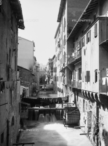 VBA-F-026999-0000 - View of Canal of Reno, Bologna