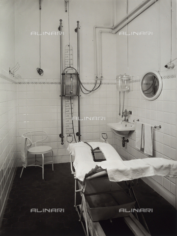 VBA-S-000282-0969 - Bathroom in the Porretta Spa. A machine is visible.