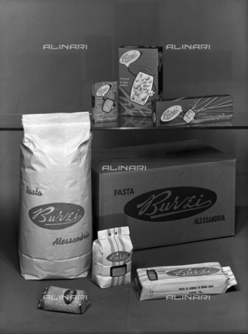 VBA-S-004927-0010 - Pasta Burzi packs; advertising image of the Bodonian Lithograph - Date of photography: 26/09/1961 - Alinari Archives-Villani Archive, Florence