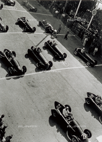 VBA-S-053020-0033 - View from above, of a few racing cars, waiting for the starting signal
