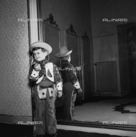 VBA-S-F05782-0060 - Masked children at a party
