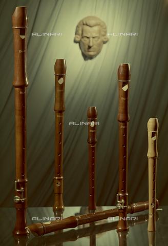 "VBA-S-M00M69-0021 - ""Composition - flutes"" - Date of photography: 1955-1960 ca. - Alinari Archives-Villani Archive, Florence"