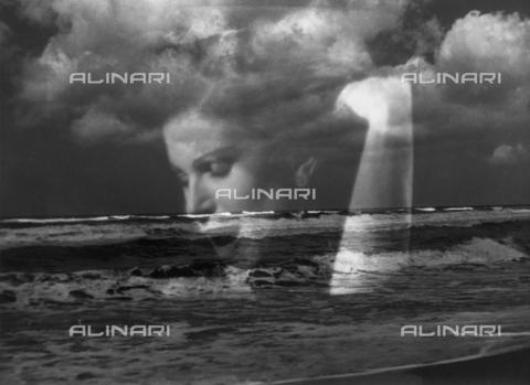 VZA-F-000208-0000 - Veduta marina con ritratto femminile sovrapposto - Data dello scatto: 1950 ca. - Raccolte Museali Fratelli Alinari (RMFA)-archivio Vannucci Zauli, Firenze