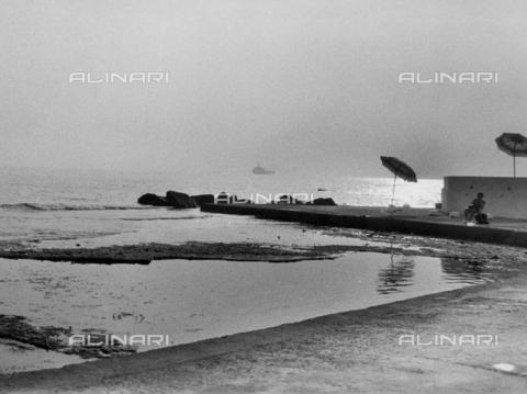 VZA-F-000506-0000 - Veduta marina ai Bagni Roma di Antignano - Data dello scatto: 1980 ca. - Raccolte Museali Fratelli Alinari (RMFA)-archivio Vannucci Zauli, Firenze