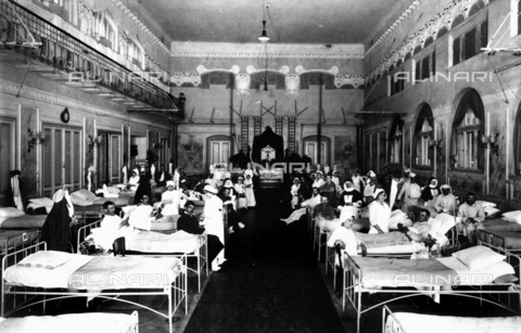 WCA-F-000593-0000 - Decorated salon at a hospital with war wounded and Red Cross nurses