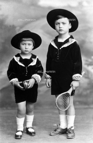 WCA-F-000826-0000 - Portrait of two children