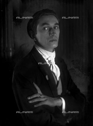 WCA-F-001631-0000 - Ritratto del pittore Edmondo Passauro (1893-1969) - Data dello scatto: 1925 ca. - Raccolte Museali Fratelli Alinari (RMFA)-archivio Carlo Wulz, Firenze