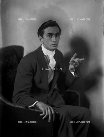 WCA-F-001634-0000 - Ritratto del pittore Edmondo Passauro (1893-1969) - Data dello scatto: 1925 ca. - Raccolte Museali Fratelli Alinari (RMFA)-archivio Carlo Wulz, Firenze