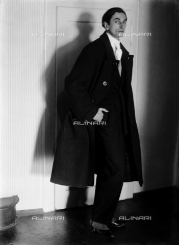 WCA-F-001635-0000 - Ritratto del pittore Edmondo Passauro (1893-1969) - Data dello scatto: 1925 ca. - Raccolte Museali Fratelli Alinari (RMFA)-archivio Carlo Wulz, Firenze
