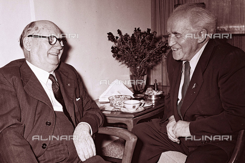 WHA-S-WHA041-0816 - meeting between South African Prime Minister, Daniel Francois Malan and Israel's Prime Minister, David Ben-Gurion in 1953 - World History Archive/Alinari Archives