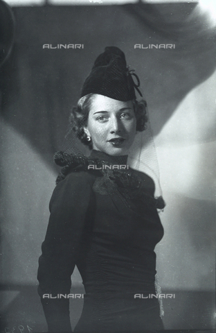 WMA-F-006956-0000 - Portrait of young woman in a hat-veil