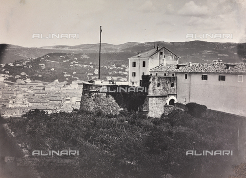 WSA-F-000002-0000 - The Castle of San Giusto on Saint Giusto Hill in Trieste.  Performed photography in photo studio Wulz sold to the Historical Museum and War January 30, 1952 - Data dello scatto: 1885-1890 - Archivi Alinari, Firenze