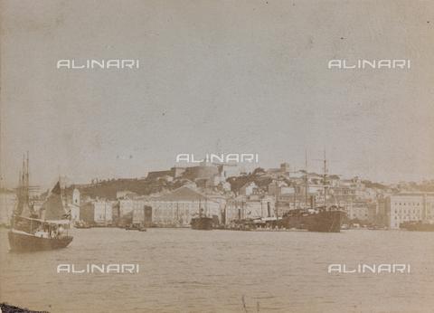 WSA-F-000537-0000 - Veduta di Colle San Giusto con il Castello a Trieste - Data dello scatto: 1890 ca. - Archivi Alinari, Firenze