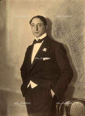 WSA-F-001658-0000 - Ritratto del giornalista Luigi Barzini, in abiti da sera. - Data dello scatto: 1920 - 1930 - Archivi Alinari, Firenze