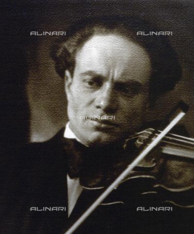 WSA-F-001660-0000 - Ritratto a mezzo busto del violinista Bruno Mailer - Data dello scatto: 1915 -1925 ca. - Raccolte Museali Fratelli Alinari (RMFA)-archivio Studio Wulz, Firenze