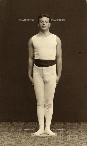 WSA-F-001743-0000 - Portrait of a young athlete