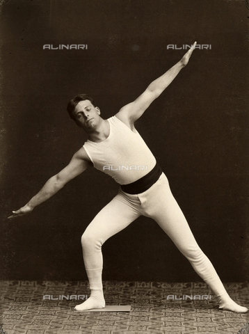 WSA-F-001744-0000 - Portrait of a gymnast as he performs an exercise