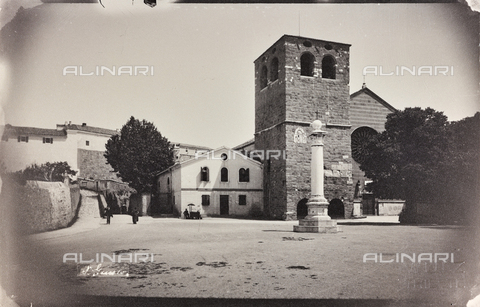 WSA-F-001944-0000 - Cattedrale di San Giusto sul colle omonimo a Trieste - Data dello scatto: 1910-1920 - Raccolte Museali Fratelli Alinari (RMFA)-archivio Studio Wulz, Firenze