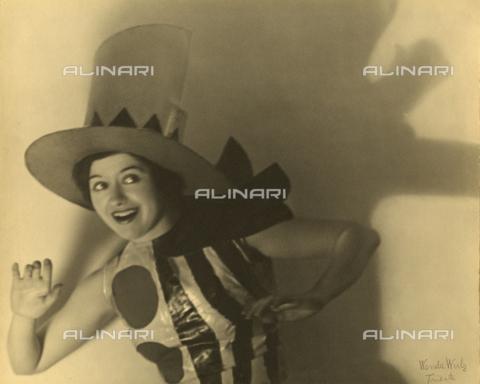 """WSA-F-002399-0000 - """"Ballerina viennese"""" - Data dello scatto: 1930 - Archivi Alinari, Firenze"""