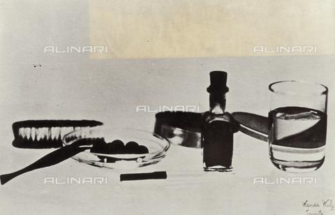 """WSA-F-003135-0000 - """"Futuristic breakfast"""" - Data dello scatto: 1932 - Archivi Alinari, Firenze"""