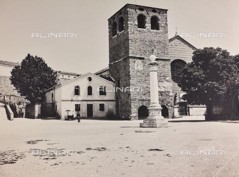 WSA-F-004715-0000 - Cattedrale di San Giusto sul colle omonimo a Trieste - Data dello scatto: 1900-1910 - Archivi Alinari, Firenze