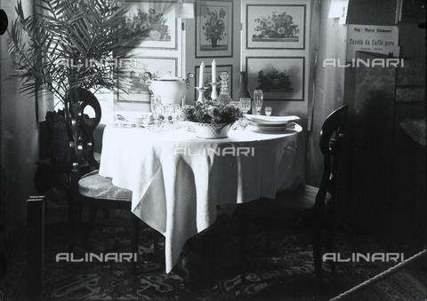 """WWA-F-001885-0000 - Set table for the exhibition """"Well-laid Tables"""" of the 30 Years Italian Women's League, Trieste. - Data dello scatto: 1939 ca. - Archivi Alinari, Firenze"""