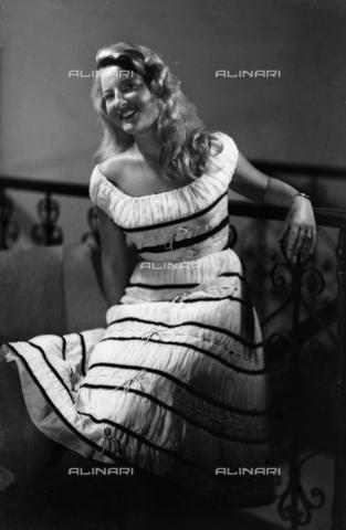 WWA-F-002955-0000 - The Lady Grassi Pitassi - Data dello scatto: 1958 ca. - Archivi Alinari, Firenze