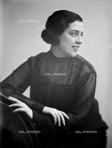 WWA-F-003001-0000 - Portrait of Anita Pittoni - Data dello scatto: 1933 ca - Archivi Alinari, Firenze