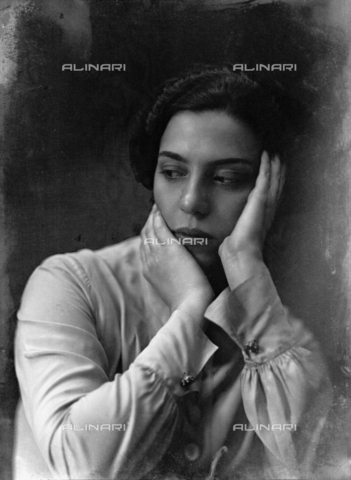 WWA-F-003006-0000 - Portrait of Anita Pittoni - Data dello scatto: 1940 ca - Archivi Alinari, Firenze