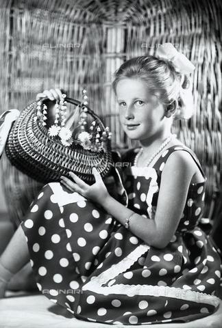 WWA-F-006009-0000 - Portrait of a girl with a basket of wild flowers