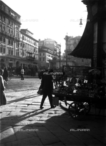 WWA-F-006768-0000 - A small market in Trieste