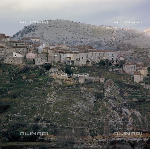 ZCA-S-000090-0008 - Paesaggio lucano - Data dello scatto: 1970 ca. - Archivi Alinari-archivio Zannier, Firenze